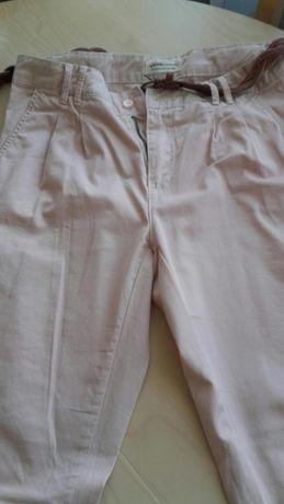 Spodnie chinosy Bershka r. 36 blady róż, pastelowy
