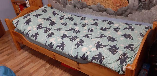 Łóżko sosnowe jednoosobowe