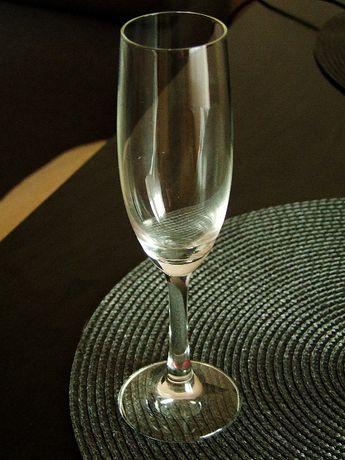 6 kileiszków do szampana