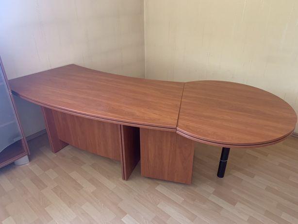 Duże biurko biurowe z zestawem szuflad