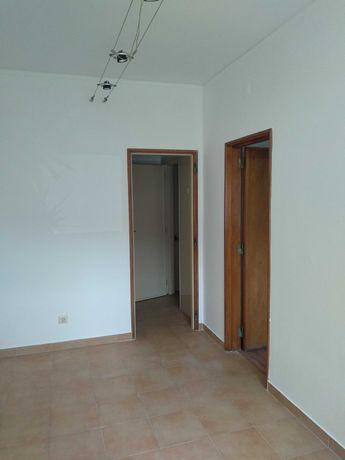 Aluguer Casa Porteira - Amadora
