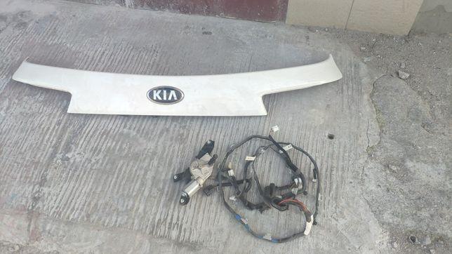 Накладка на крышку багажника kia sorento