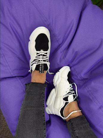 Летние модные женские кроссовки