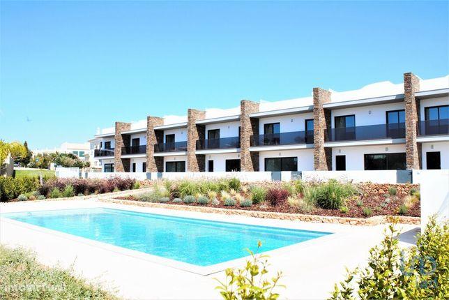 Moradia - 156 m² - T2