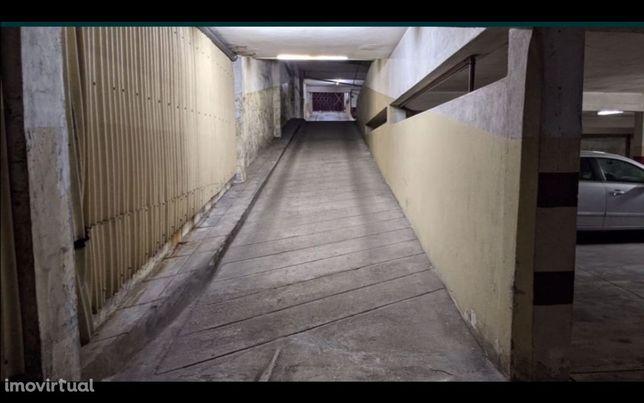 Lugares de Garagem | Rua Conde Alto Mearim | Matosinhos Centro