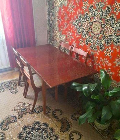 Стол раскладной со стульями