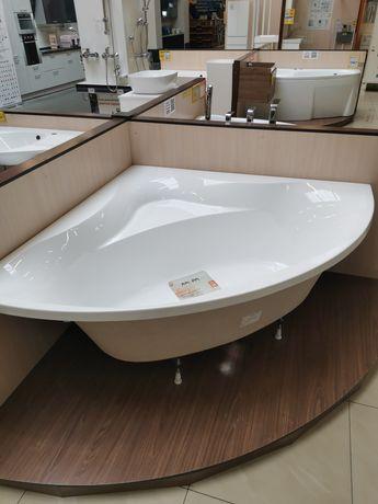Продам ванну 150 на 150