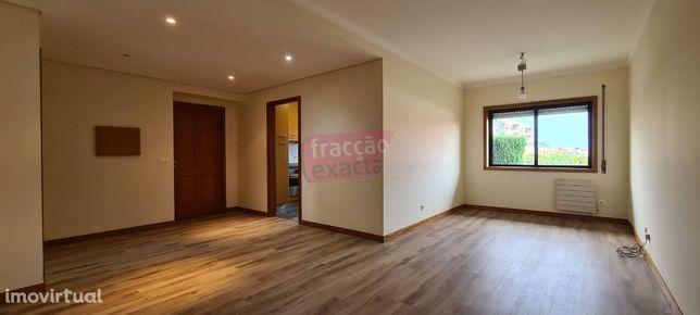 Apartamento T2 Arcozelo (Aguda) | Lug. Garagem e Arrecadação