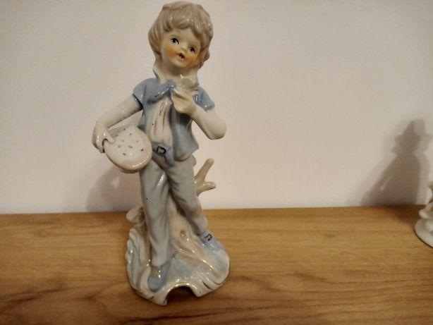 Chłopiec z kwiatami porcelana  21 cm