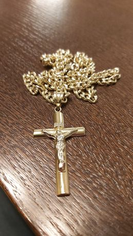 Złoty łańcuszek z krzyżykiem