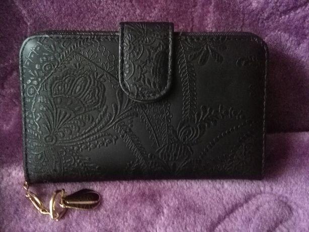 Nowy portfel damski porządny i elegancki