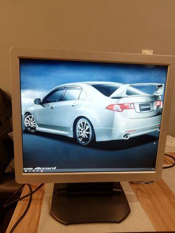Zamienię monitor LCD 19' z głośnikami na gry PS4