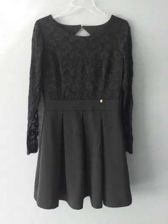 Sukienka z czarną koronka