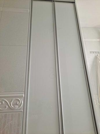 Drzwi wnękowe do szafy, szklane