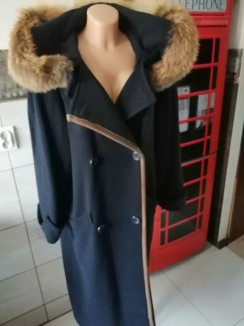 Super zimowy płaszcz z naturalnym futerkiem roz.M-L