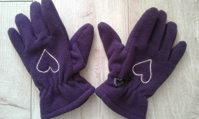 Продам зимние перчатки для девочки.