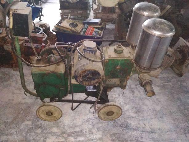 колісний електрокомпресор у робочому стані.