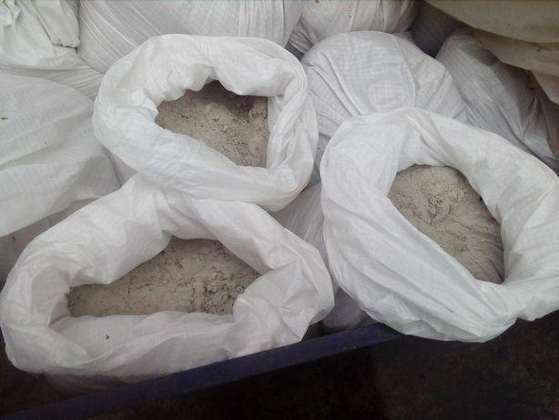Песок,отсев,щебень,глина в мешках