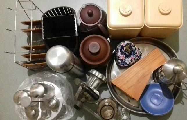 Много посуды.Одним лотом.
