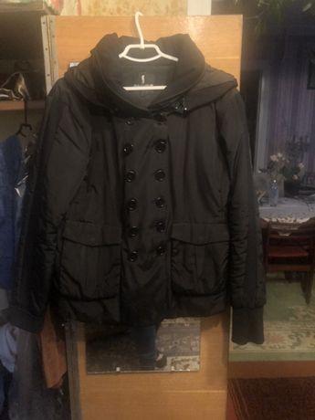 Куртка М чёрная весна-осень