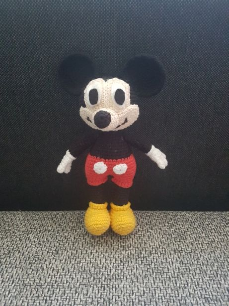 amigurumi myszka Mickey na szydełku 20 cm