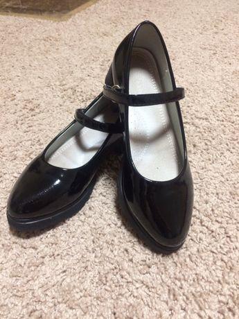 Туфлі дитячі 36