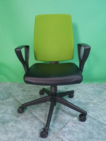 Fotel biurowy obrotowy Profim Raya Contract 21S - dostępne 200 sztuk