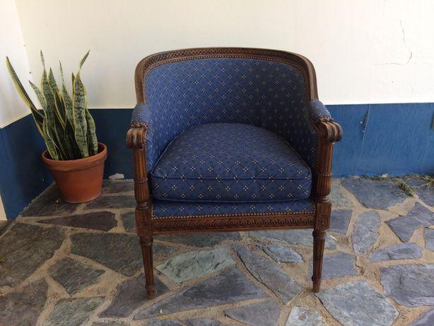 Cadeira de Braços estilo Luís XVI em mogno