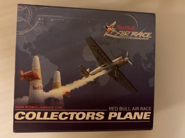 Aviao avioneta  miniatura Red Bull ediçao colecionador