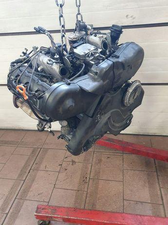 Мотор двигатель двигун Ауди а6 с5 с4 шкода  bau бау 2.5tdi