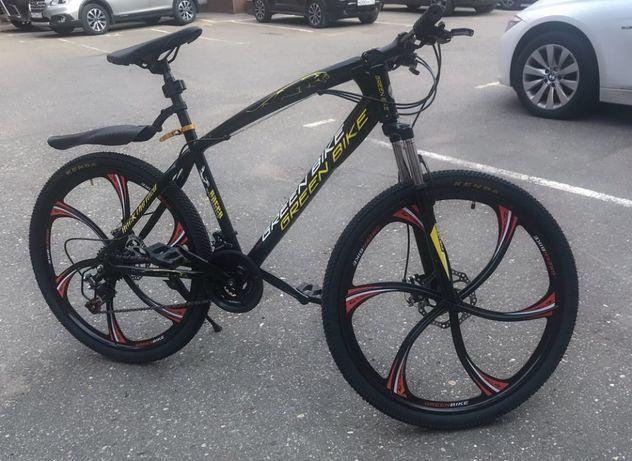 Продам молодёжный велосипед БМВ. 26 диаметр колёс. Литые диски.