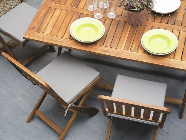 Conjunto de 2 cadeiras de jardim em madeira de acácia CENTO - Beliani