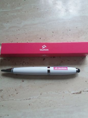 długopis z pendrajwem
