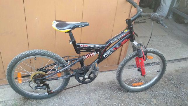 Велосипед дитячий колеса 20