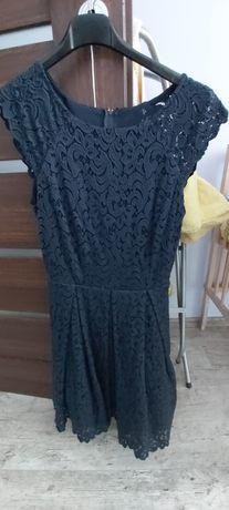 Koronkowa sukienka orsay
