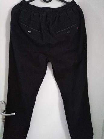 Czarne spodnie chłopięce na gumce 164