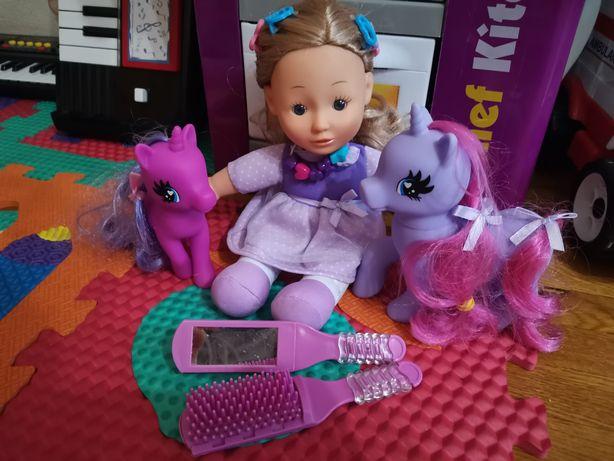 Кукла и единороги