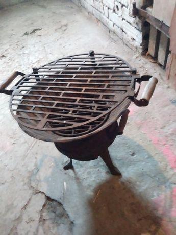 Kociołek..grill żeliwny tanio