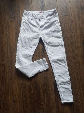 Biale spodnie jeans m/l