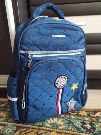 Школьный портфель, рюкзак
