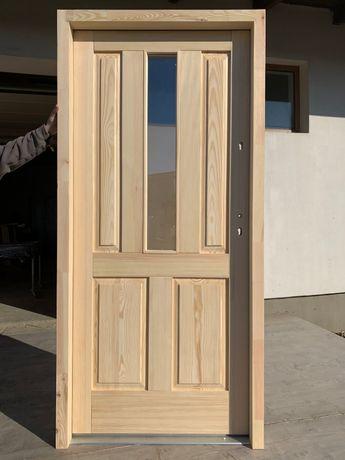 Drzwi zewnetrzne lite drewniane sosnowe ocieplane dostępne od ręki