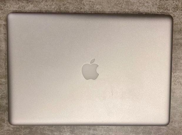 Macbook Pro 15 (late 2011) i7 2,2 GHz 4gb 500hdd