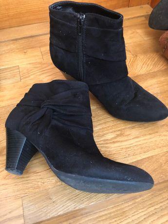 Замшеві черевички 40 р