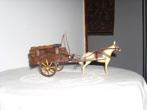 Réplica de carroça alentejana c/cavalo