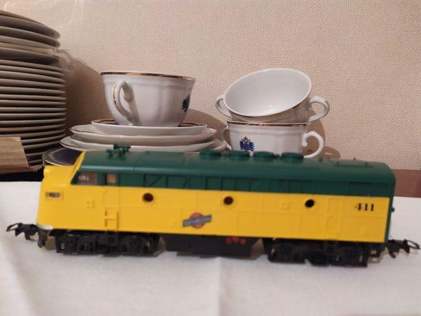 Паровоз локомотив тепловоз под ж/д типа PIKO 16 мм (HO) 1:87