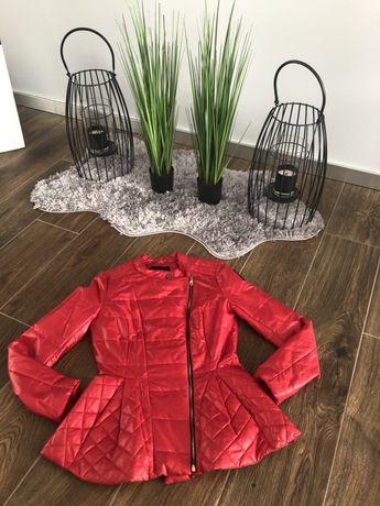 By o la la Czerwona oikowana kurtka S Ideał!