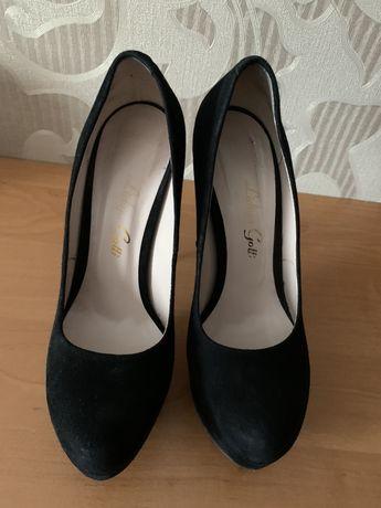 Туфли замшевые 36р