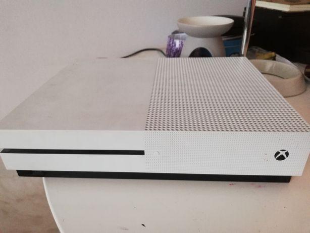 Konsola Xbox one S 1TB + Pad + 2gry