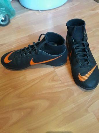 Buty Nike Turfy ze skarpetą