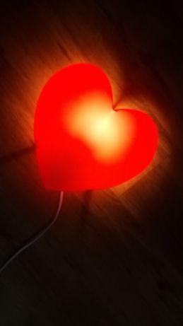 lampka czerwona IKEA do pokoju dziecka serduszko